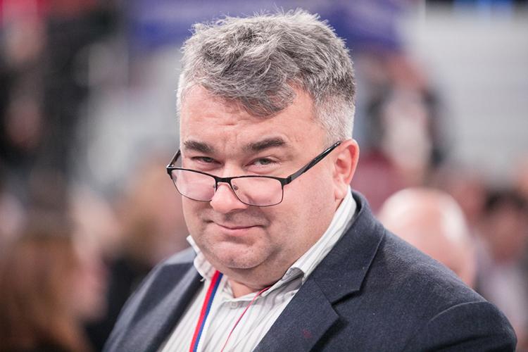 """ШамильВалеев:«Вообще нерассматриваю эпизодическое сгущение атмосферы между представителями наших братских республик вконфликтном контексте, даеще между """"татарами ибашкирами»"""
