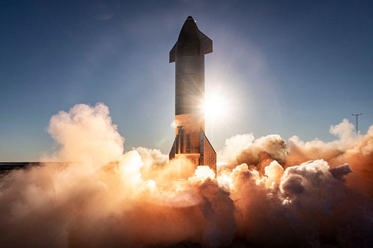 «Для ракеты главный вопрос— двигатель. Она создается под него. Нет двигателя— нет ракеты. Все остальное, этот новый орбитальный космолёт…»
