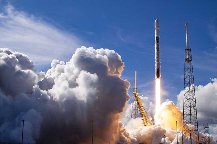 «Даже ракета Маска Falсon 9— это доведение доабсолюта идей, которые были придуманы Королевым ифон Брауном. Маску, используя ихподходы, удалось сделать другую производственную модель идешевую ракету»
