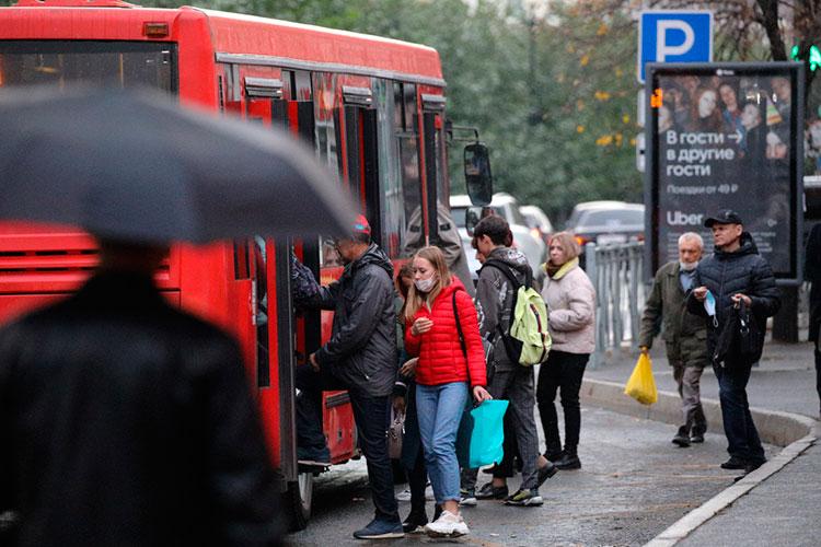 «Система работы общественного транспорта в республике выстроена таким образом, что перевозчик напрямую зависит от тех денег, что получает от пассажира. Нет людей в салонах автобусов — нет и денег!»