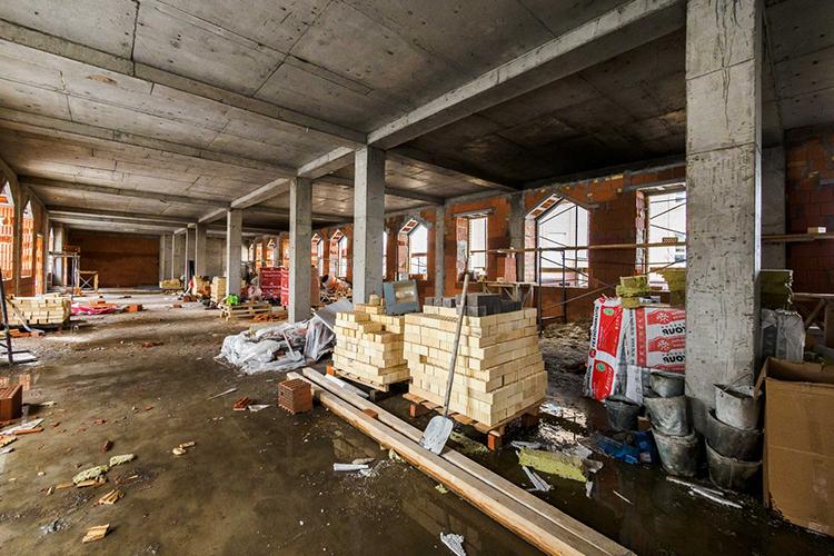«Надо поторопиться, если хотим открыть к1сентябрю наш культурно-просветительский центр при мечети «Гаиля». Очень много внутренних работ осталось»