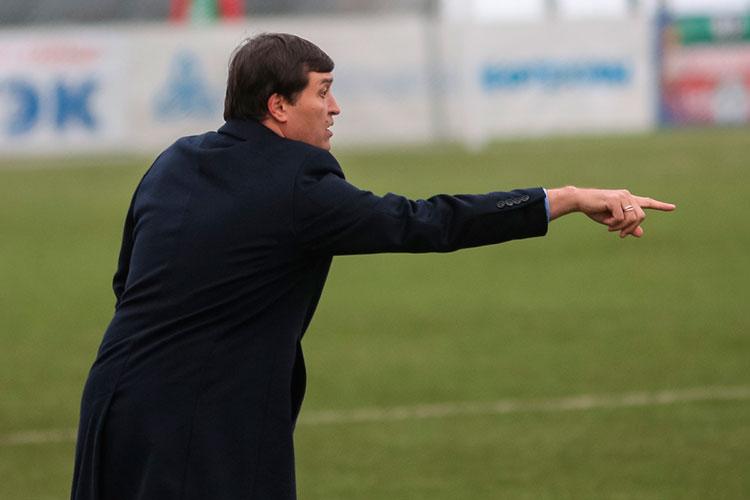 Предыдущим тренером команды был Юрий Уткульбаев, который покинул этот пост после неудачного отрезка осенних матчей — команда проиграла 6 встреч подряд