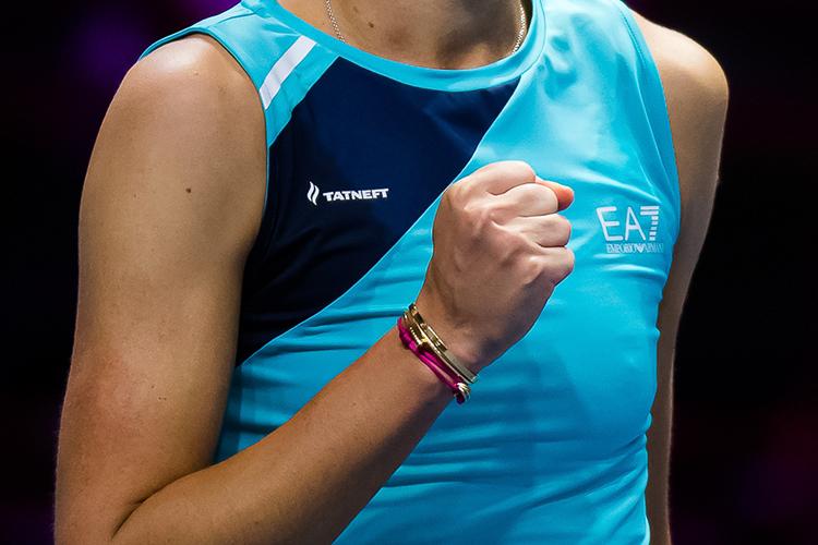 """У Вероники логотип """"Татнефти"""" соседствует с """"Армани"""", с которым теннисистка сотрудничает с февраля 2020-го"""