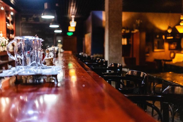 «Бармен должен знать все, что связано снапитками, процессом ихизготовления»