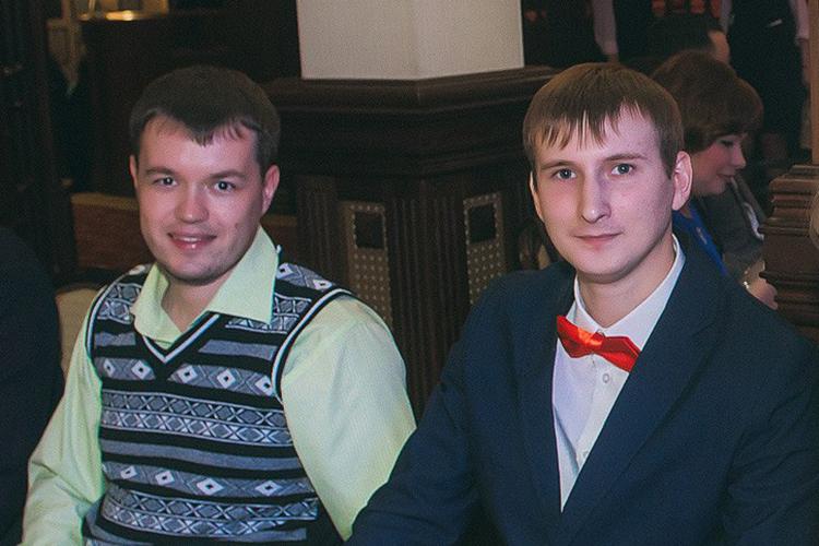Также были задержаны руководитель отдела информационных технологийРенат Шафигуллин (слева) иглавный специалист отдела информационной безопасностиСергейГолов (справа)