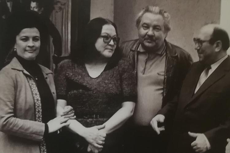 Гульнар Салимжанова, Рада Нигматуллина, Марсель Салимжанов и Раис Беляев. Казань, начало 1980-х