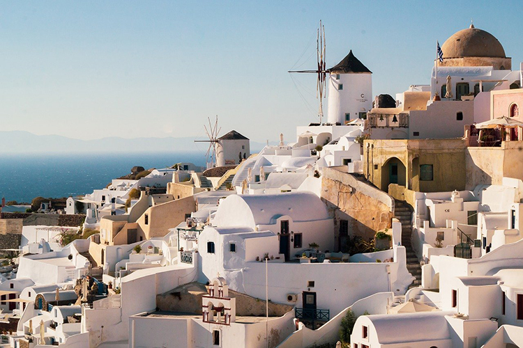 Если раньше Греция входила вчисло стран, которые легко дают мультивизудаже напять лет, тосейчас, думаю, греки будут выдавать еестрого настолько, сколько увас оплаченных отельных дней