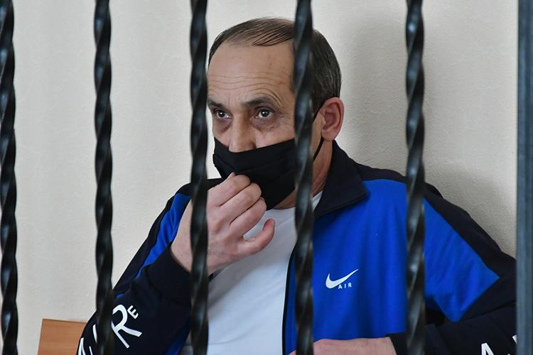 Когда Мирзоян узнал свой срок, оннеподал реакции. Хотянаказание могло быть гораздо строже— гособвинение просилолишитьсвободы на15 лет иназначить штраф—280тыс. рублей