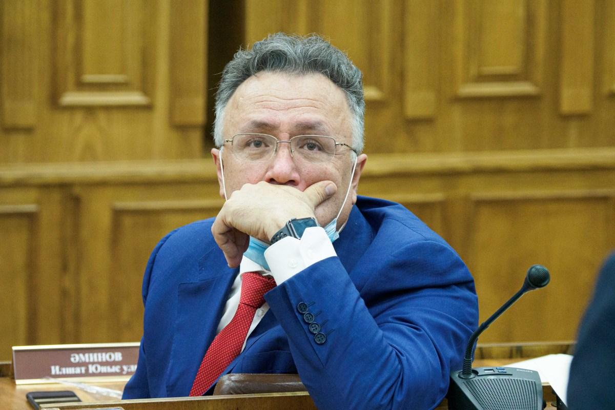 Резко выросло благосостояние гендиректора «ТНВ»Ильшата Аминова— сам онзаработал почти20,9 млнрублей, жена еще 12,6млн рублей, тогда как годом ранее пара вместе едва «наскребала» 11,4млн рублей