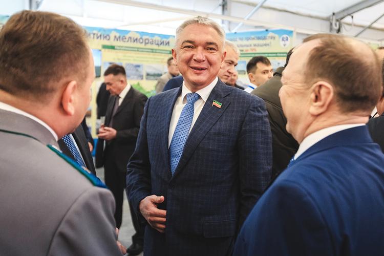 Генеральный директор ОООУК«Агро-Инвест»Раис Сулеймановпродолжает наращивать доходы: его 17млн «подросли» в2020 году до18 млнрублей