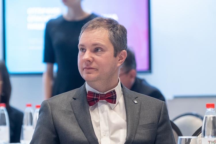Новичок рейтинга (впервые стал депутатом только всентябре 2020 года надопвыборах), генеральный директор АО«ОЭЗ ППТ «Алабуга»Тимур Шагивалеевзадекларировал доход в27,7млн рублей