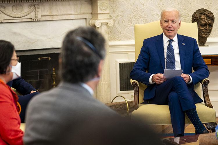 «Конечно, Байден— неТрамп, который мог сначала чутьли недовести дело довойны сКим Чен Ыном, апотом подружиться. Это немного другой стиль»