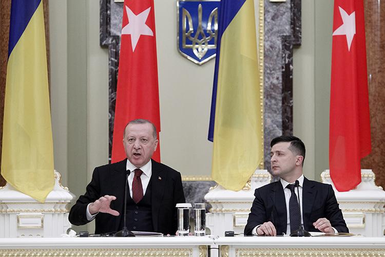 «Вот один любопытный штрих: Владимир Зеленский смомента своего прихода квласти вмае 2019 года больше общался сРеджепом Эрдоганом, чем скаким-либо другим западным лидером»