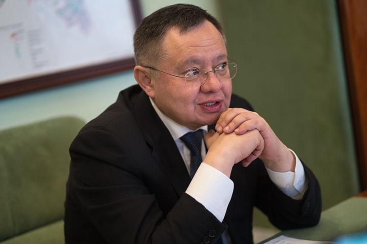 Судя попоследней татарстанской декларации за2018 год, Ирек Файзуллин практически полностью сменил структуру собственности— впользовании осталась лишь прежняя квартира площадью 164,8 кв. метров, дамикросамолет А-20