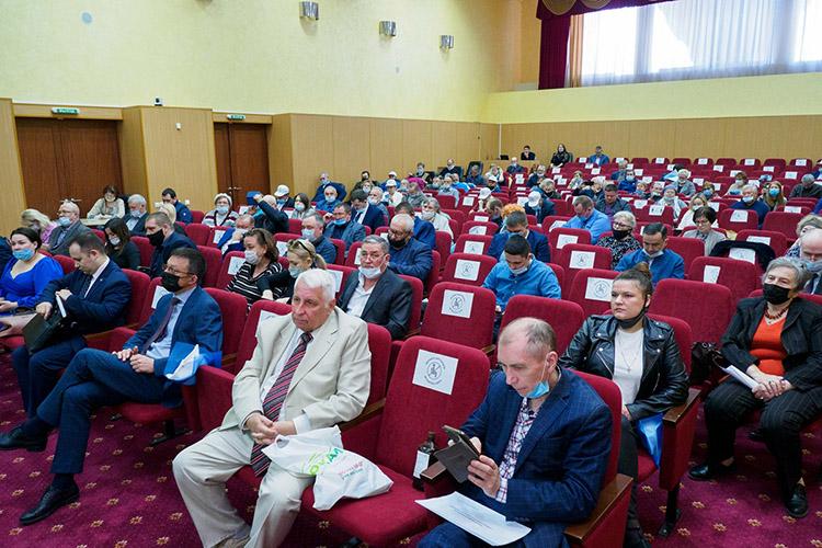 90 делегатов изразных районов республики проявили живой интерес кмероприятию ирегулярно спорили поразличным локальным вопросам