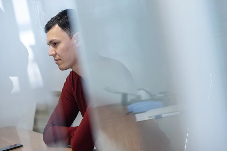 «Напоследнем курсе бакалавриата случайно «ВКонтакте» узнал про Иннополис, мне стало любопытно, ясходил надень открытых дверей, попробовал поступить— ивнезапно поступил»