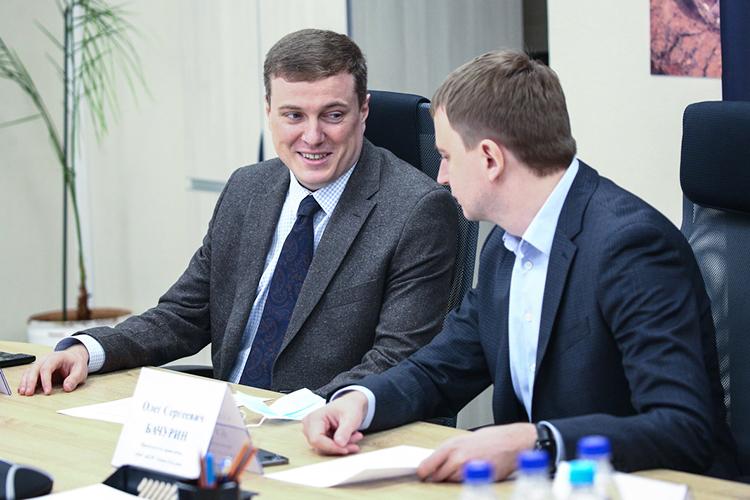 Алексей Долгих (слева): «Опираясь насвои антикризисные программы, мызакладываем оптимистичный прогноз роста на10-15 процентов наэтот год вденежном выражении»