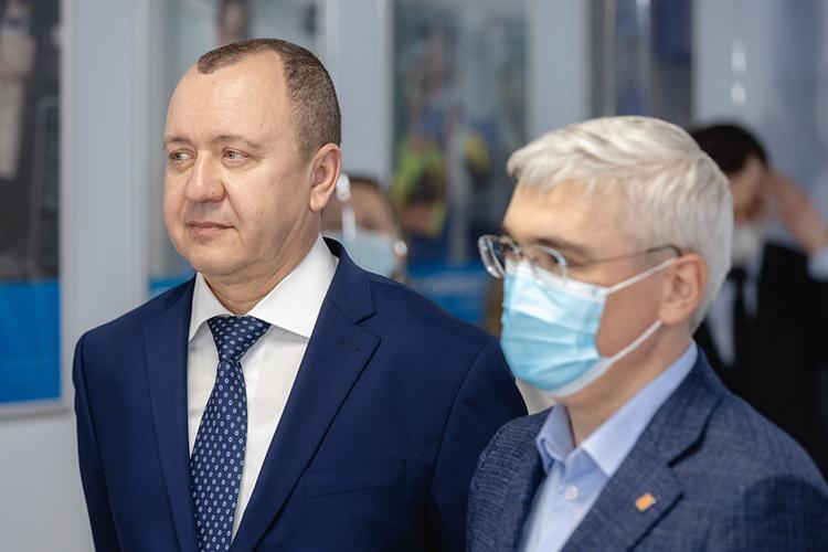 Рамиль Кашапов (слева): «Для нас большая честьоткрыть филиал, который станет опорным для СМП Банка вТатарстане»