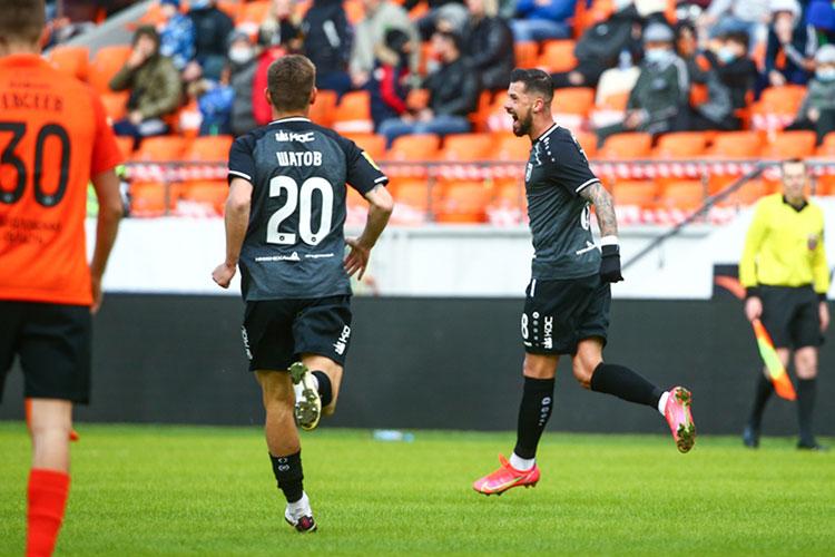 Меня продолжает поражать Дарко Йевтич. Вновь он признан лучшим игроком матча. Мне кажется, он наконец почувствовал вкус гола, понял, что у него получается