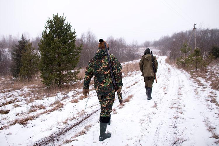Одно из самых маленьких по площади (74 кв. км) территорий для охоты принадлежит расположено рядом с Камскими Полянами и принадлежит Эдуарду Емельянову