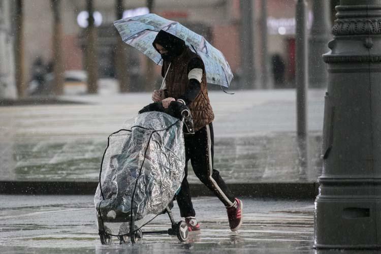 В Казани ожидаются небольшие иумеренные осадки завтра днем ивечером ввиде дождя, примерно 15% месячной нормы