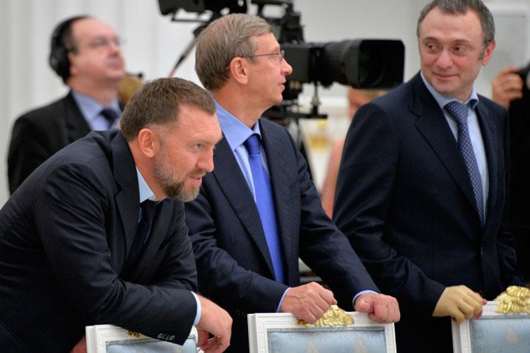 «Те, кто наЗападе считаются спонсорами российского политического режима, нопри этом невходят вближний круг президента. Импотери отвключения вжесткие санкционные списки небудут компенсированы вполной мере»