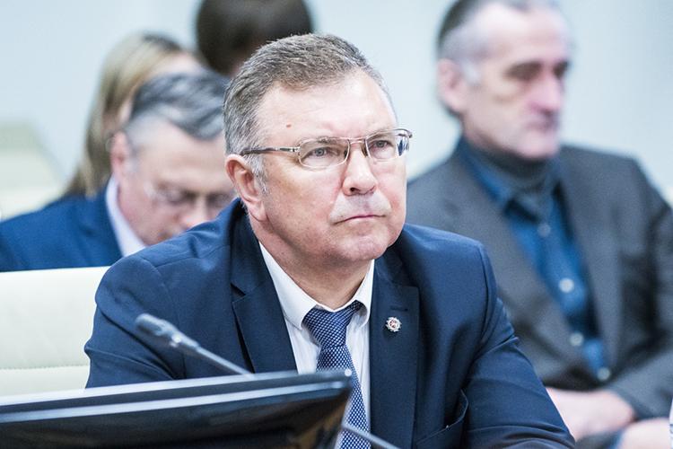 Фарид Сафиннапомнил, чтос1января 2019 года Татарстан, как идругие регионы России, перешел нановую систему обращения ствердыми коммунальными отходами