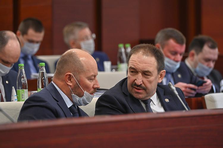 По словам Алексея Песошина, 2020-й стал серьезным вызовом для экономики республики, которая оказалась зависима отволатильности цен нанефть, курсов валют, ограничение добычи нефти ит.д.