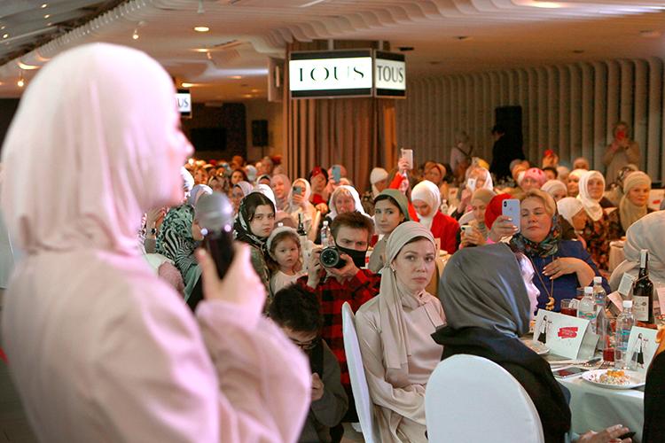 Единение, стиль иобщение, которого так всем нехватало— пожалуй, самые главные посылы, которые нес всебе Fashion iftar