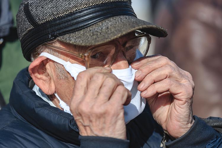 Вовторник столица запускает программу стимулирования среди горожан старше 60лет. Москвичи, сделавшие первую прививку, получат подарочную карту номиналом 1 тысяча баллов (рублей), либо промокод нааналогичную сумму