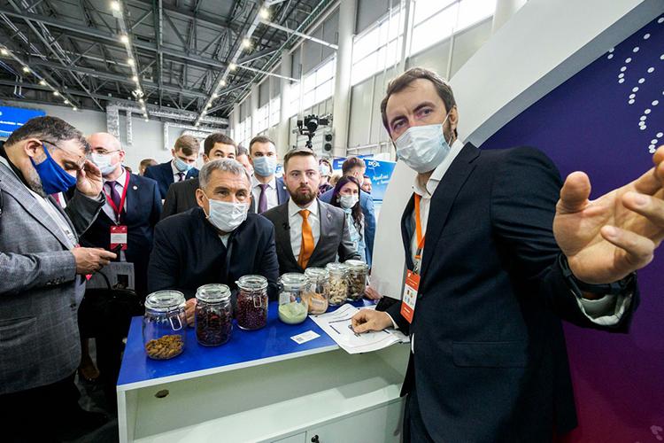 Рустам Минниханов:«Уверен, что венчурный бизнес вРоссийской Федерации будет развиваться, идобро пожаловать наРоссийский венчурный форум!»