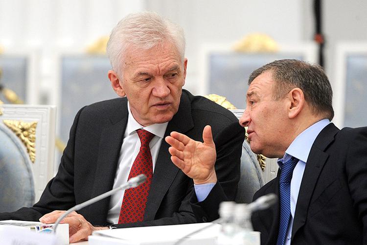 Чаще всего рядом сименем Михельсона упоминают имя давнего другаВладимира Путина Геннадия Тимченко (слева), который с2008 года вошел вкапитал «Новатэка» с13,13%, впоследствии увеличив еедонынешних 23,5%