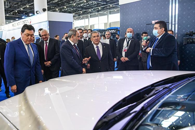 После заседания гости направились вмеждународный выставочый центр «Казань Экспо» навыставку экономического ипромышленного потенциала Татарстана