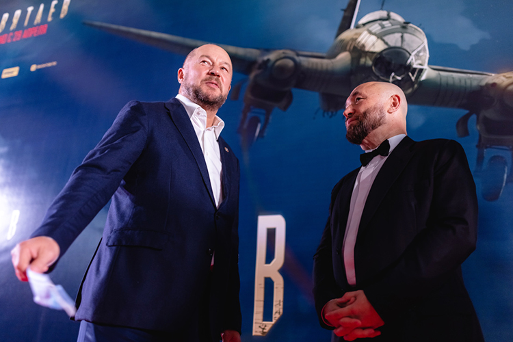 Правая рука МиннихановаАсгат Сафаров (слева) заработал за2020 год 7,4млн рублей, авсобственности унего ничего неизменилось, кроме… марки прицепа— вместо МЗСА вдекларации возник БАГЕМ