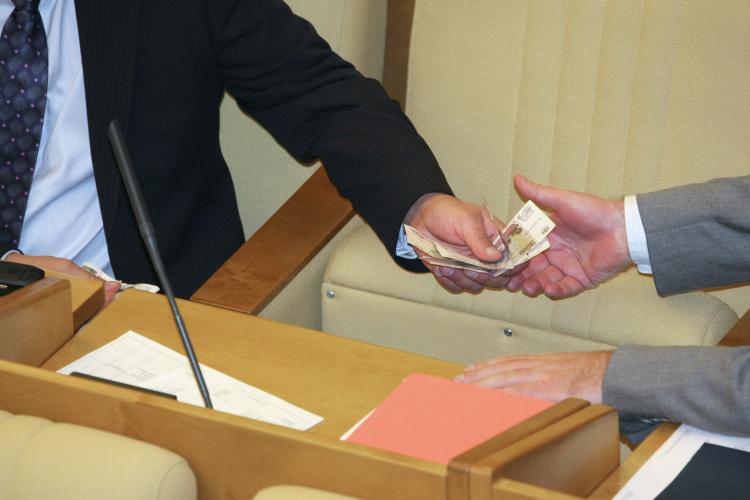 «То, что называют коррупцией вРФ, тоже нередко выполняет функцию первоначального накопления капитала»
