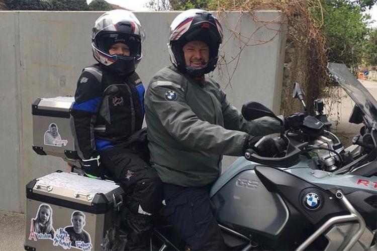 Еще один известный байкер Челнов— генеральный директор ООО«Акульчев», президент ООО«Кондитерского комбината А1»Сергей Акульчев:«Для меня это самая большая страсть. Уменя сейчас два мотоцикла— БМВ иKTM»