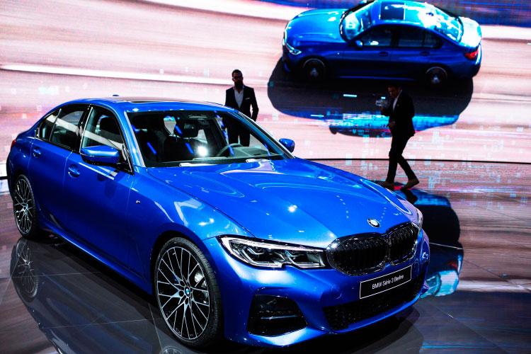 Бессменный лидер татарстанского люксового сегмента, BMW, инаэтот раз неударил лицом вгрязь: его продажи выросли на14% (45 единиц) до368 авто