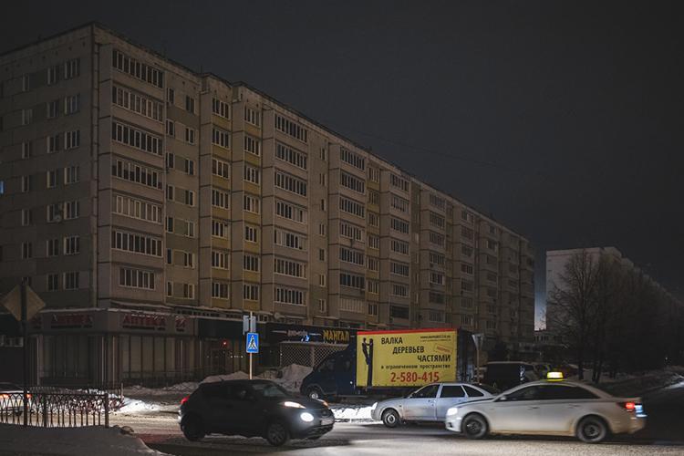 26апреля блэкаут случился вКазани. Из-за пожара наэлектроподстанции «Советская» без света остались 25тыс. горожан. Авария привела ксбою 35 трансформаторов, полностью обесточив жилые дома исветофоры