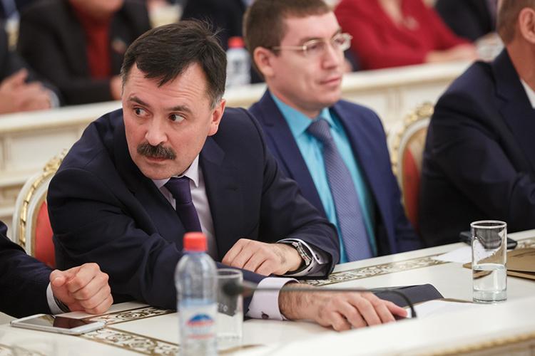 Руководитель исполкома городаРустем Гафаровза2020-й продекларировал доход в2,3млн рублей. Ему принадлежат земельный участок в1,5тыс.кв. м, жилой дом площадью 294,3 кв. м, гараж ибаня