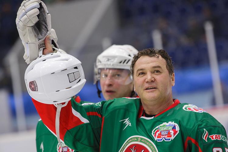 Нашестом месте нашего табеля офинансовых рангах— генеральный менеджер хоккейного клуба «АкБарс»Рафик Якубов— 47млн рублей