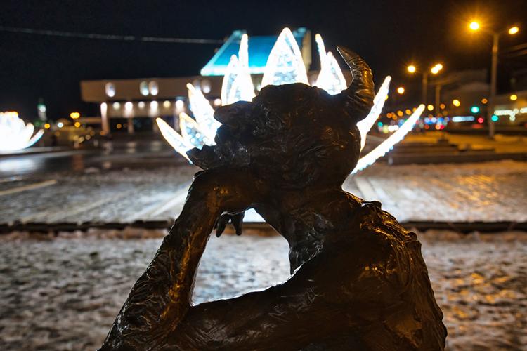 «Подобные скульптуры все чаще появляются насредства инвесторов. Первая изних— водовоз— появилась в2005 году перед зданием МУП«Водоканал» наулице Горького. Примерно в2010 году— Шурале утеатра Камала»