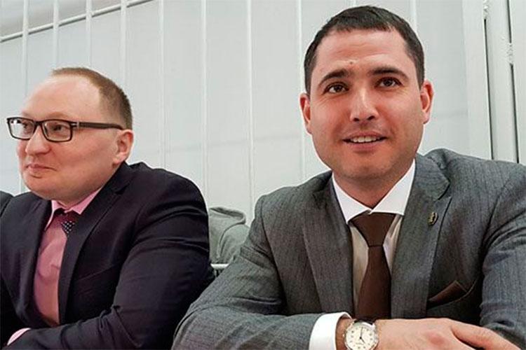 Один изсамых известных адвокатов закамской зоныЭрик Валеев(справа на фото)внынешнем рейтинге сохранил свои позиции