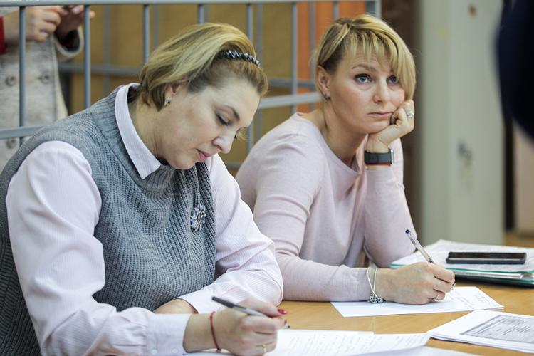Лидер прошлого рейтингаНаталья Фарукшина (справа на фото)потеряла две строчки рейтинга