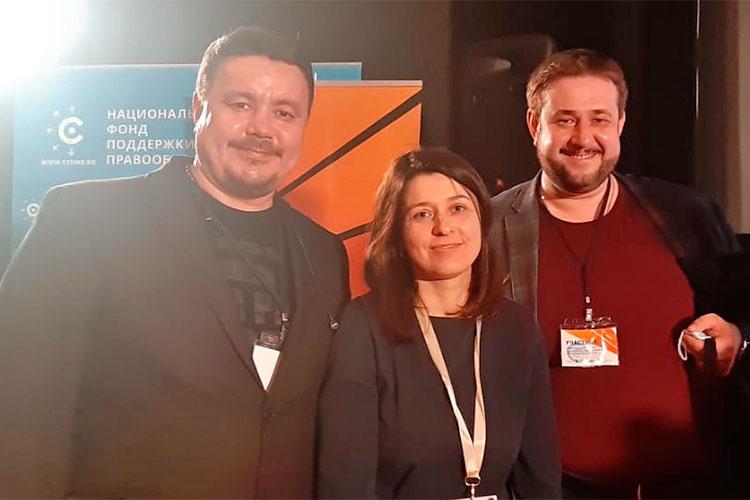 Директор башкирской киностудии Юнир Аминев, Светлана Максимченко и Алексей Барыкин (слева направо)