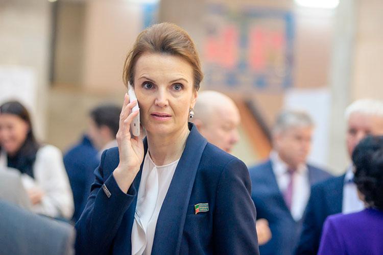 На третье место в этом году опустилась корпоративный секретарь КАМАЗа Жанна Халиуллина