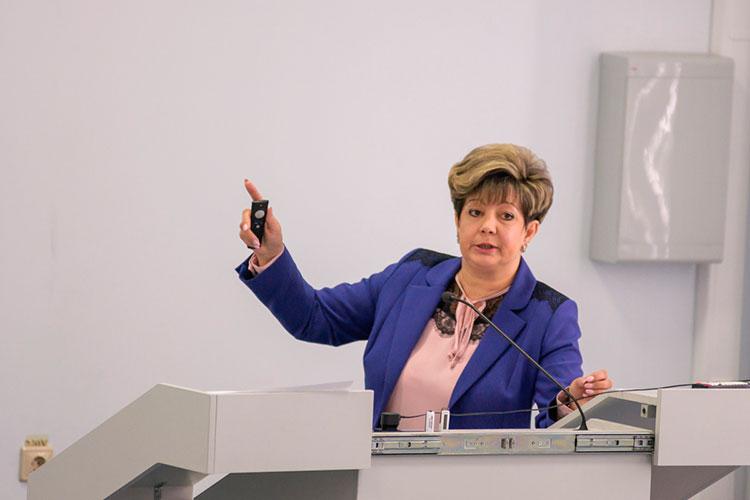 Наталия Кропотова несколько сократила свои доходы — с 1,9 млн в 2019 году до 1,7 млн в 2020-м, но при этом неплохо зарабатывает супруг — более 3,1 млн рублей