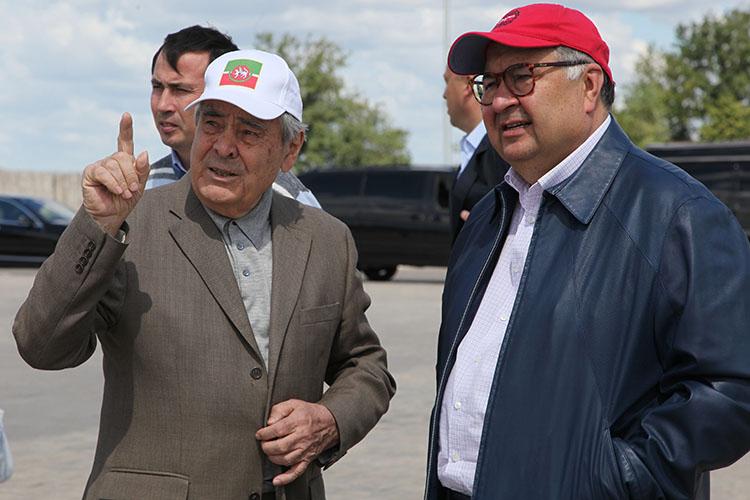 Алишер Усманов (справа)поддерживает массу проектов, связанных сисламом.Минтимер Шаймиев(слева)пользуетсяпо-прежнему непререкаемым авторитетом
