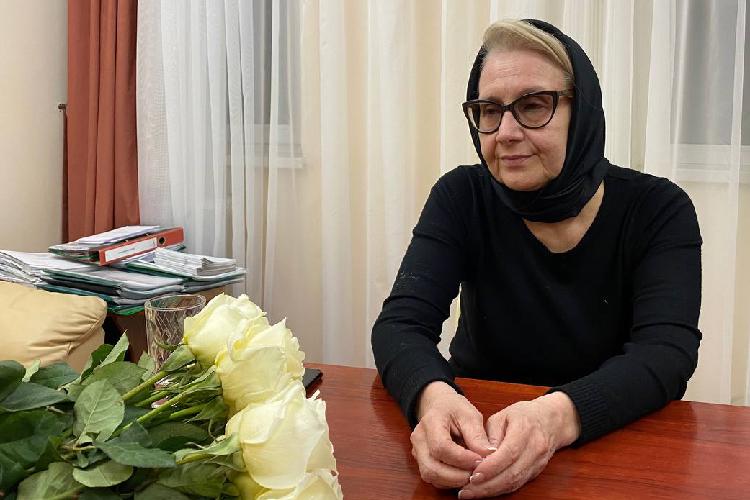 Всистеме образования Амина Валеева работает с1983 года— почти 38лет. Заэто время она прошла все ступени «учительской» карьеры, начиная собычного учителя