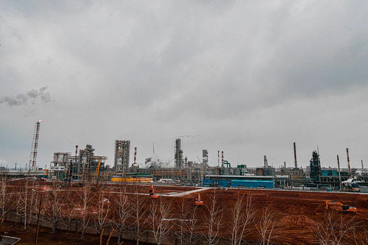 После простоя длительностью в55мучительных дней возобновляется строительство ключевого участка будущего мегаэтиленника ПАО «Нижнекамскнефтехим»