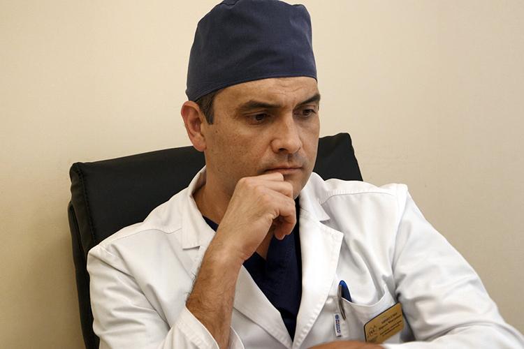Марсель Миннуллин:«В кратчайшие сроки мы организовали 11 междисциплинарных бригад из различных специалистов, прежде всего хирургического и травматологического профиля. Все они через 15 минут с момента поступления сигнала были развернуты в приемно-диагностическом отделении»